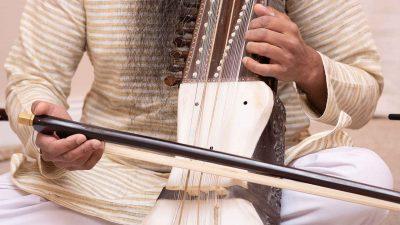 bowing tanti saaj instrument